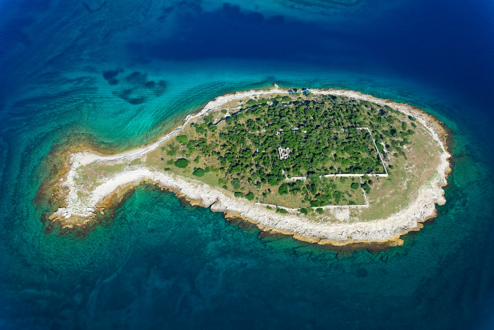 Luchtfoto van Nationaal Park Brijuni, Istrië, Kroatië.