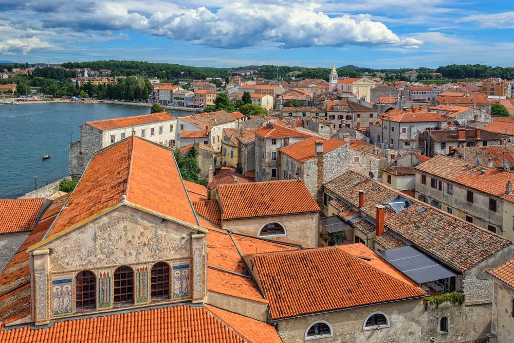 Het oude stadscentrum van Porec, Istrië, Kroatië.